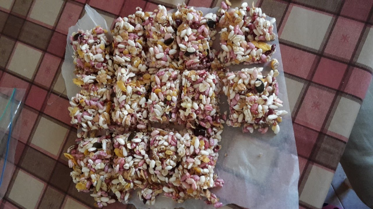 Make Homemade Muesli and Puffed Rice Bars - DIY Food & Drinks - Guidecentral