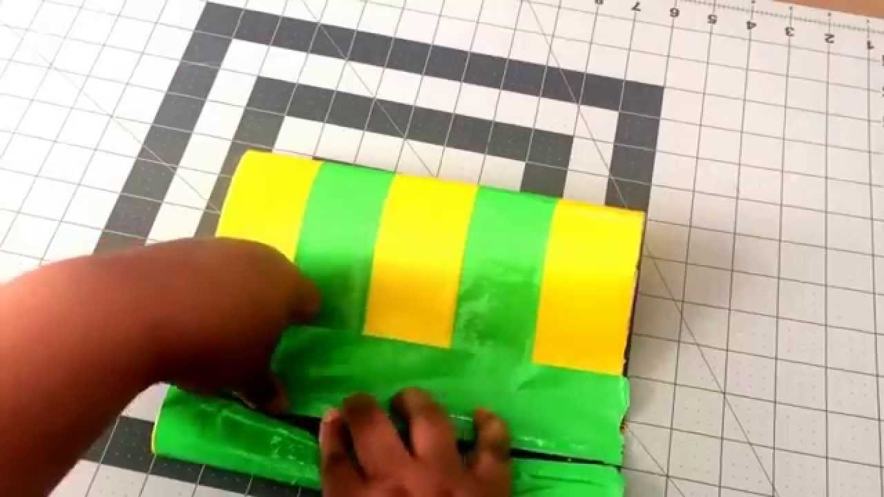 DIY zippered duct tape cosmetic bags