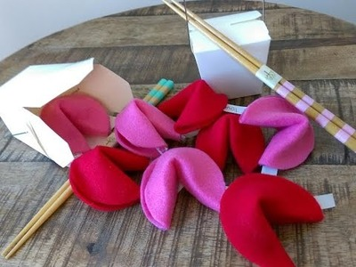 DIY Valentines : Fortune Cookies