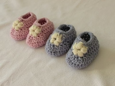 How to crochet puff stitch flower baby booties. shoes. slippers