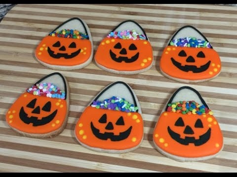 Halloween Pumpkin Candy Bucket Cookies (How To)