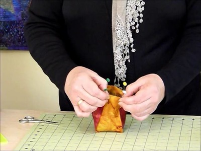 "How to make a small Bag with Handles using 6"" squares - Quilting Tips & Techniques 185"