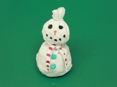 How to Build a Sock Snowman