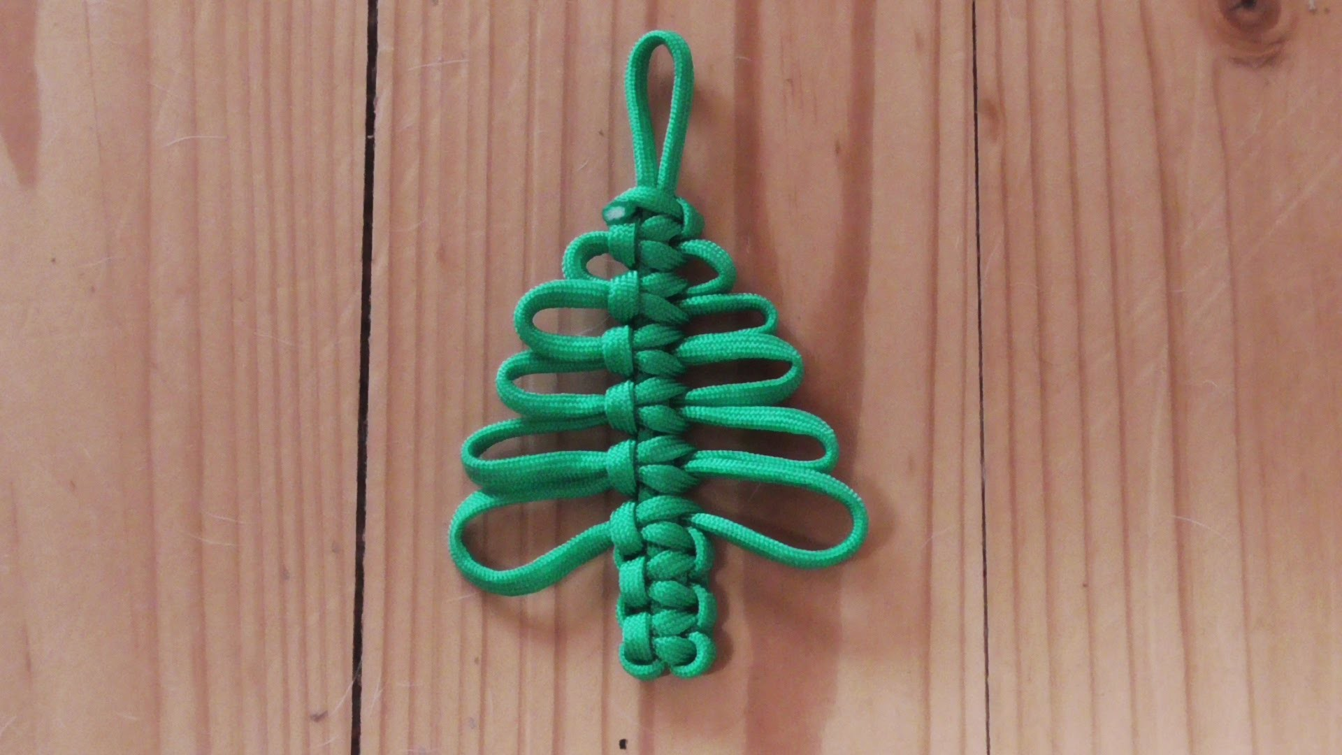 How To Make A Cobra Weave Paracord Christmas Tree Decoration
