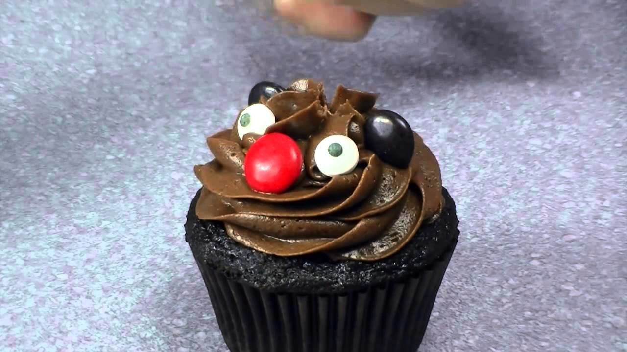 Beaver Cupcakes for Canada Day  and How to Make Poutine Cupcakes French Fries in Gravy
