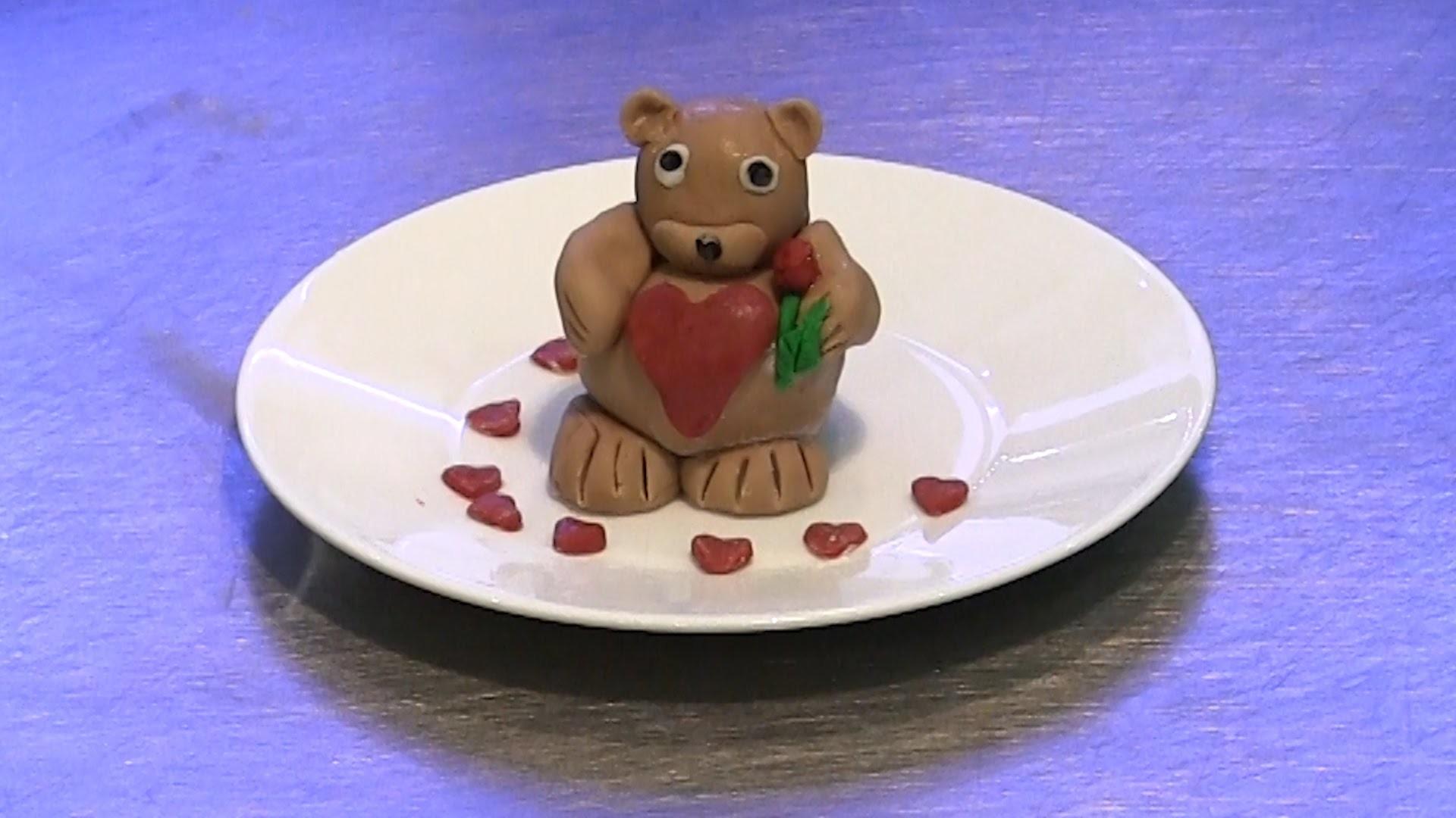 How to Make a Valentine's Teddy Bear Cake