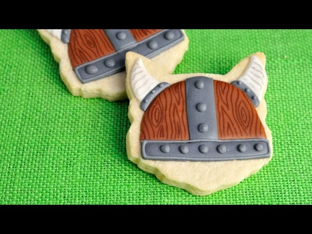 HOW TO TRAIN YOUR DRAGON VIKING HELMET COOKIES, HANIELA'S