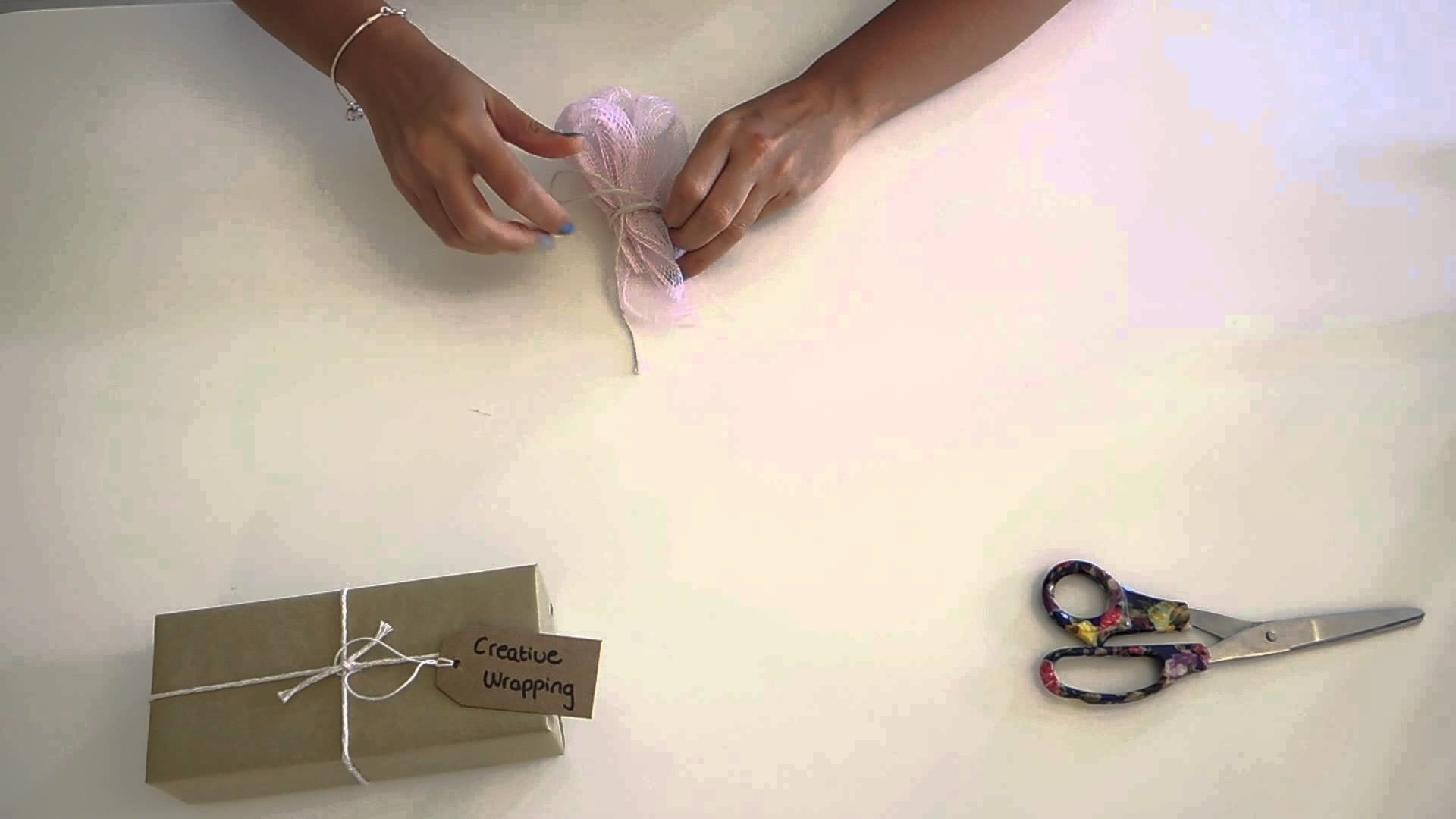 How to make a simple mesh gift decoration