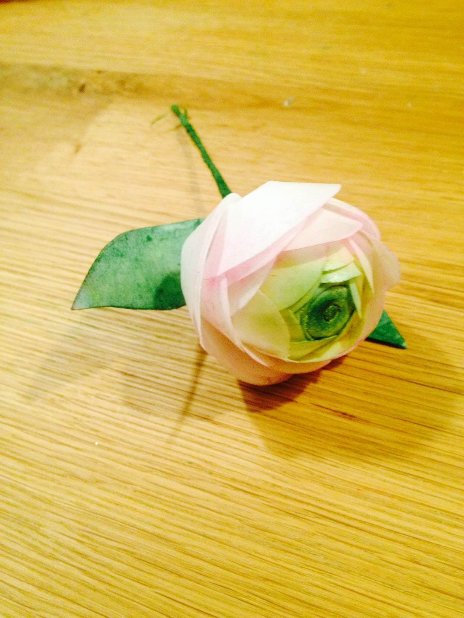 How to make Wafer Paper Ranunculus?