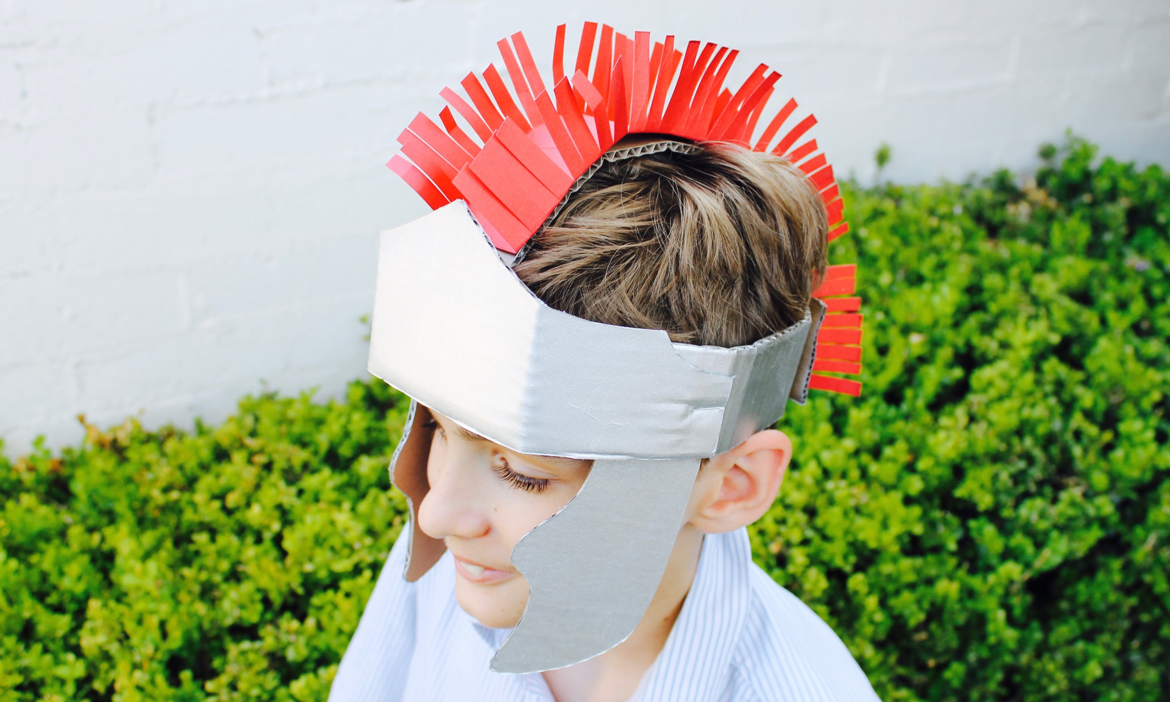 Easy craft: How to make a gladiator helmet