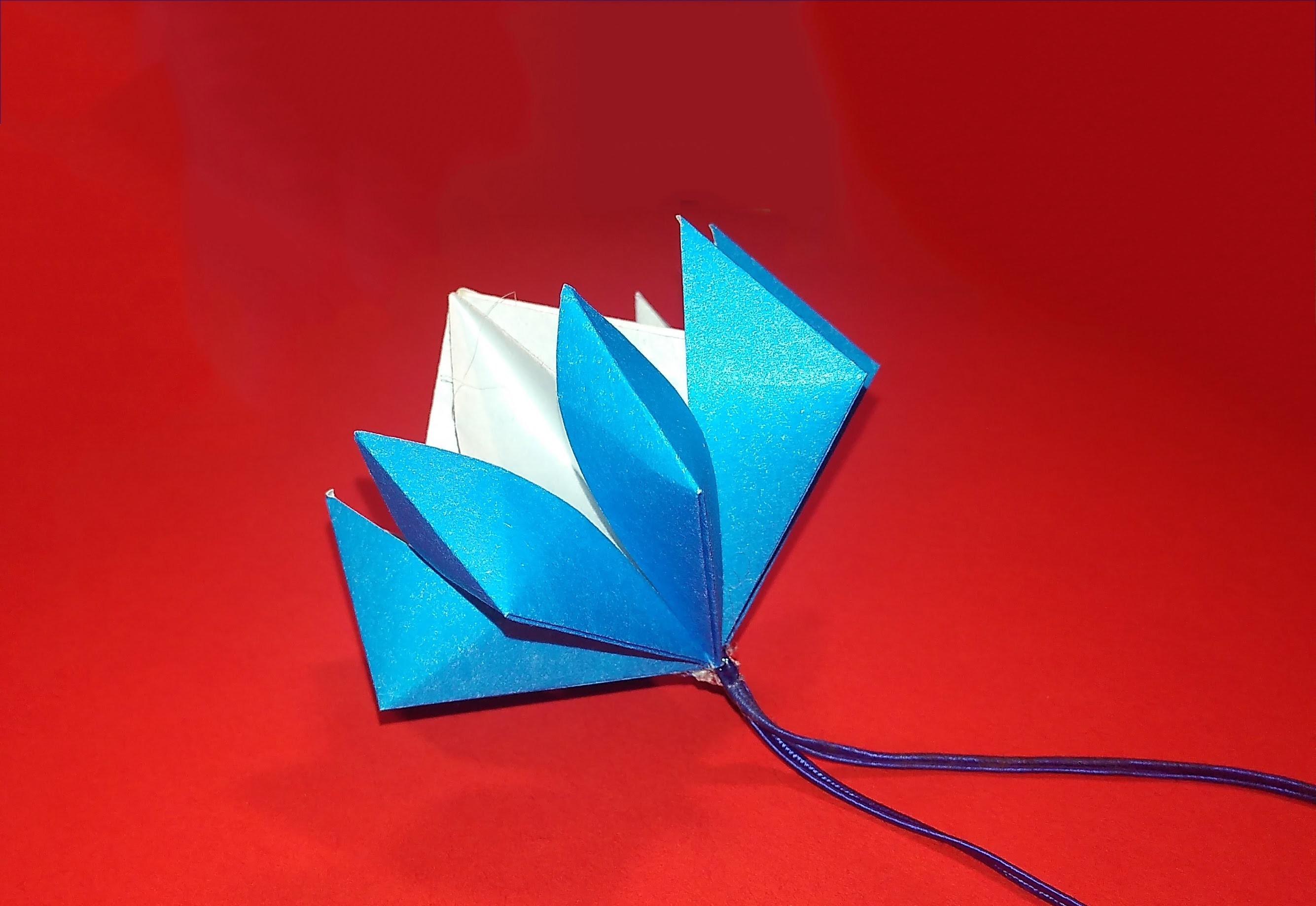 Easy origami flower - origami bell! Great paper flower - decorating ideas