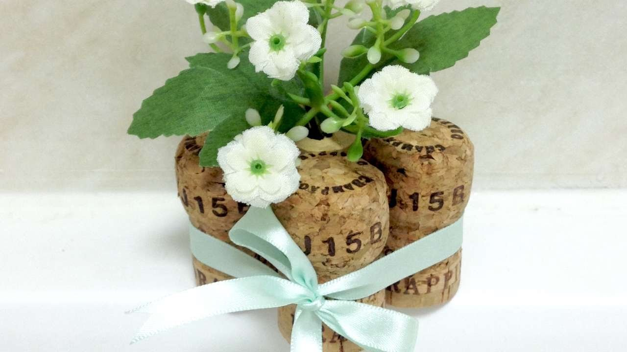 How To Upcycle Corks As Table Centerpiece - DIY Crafts Tutorial - Guidecentral