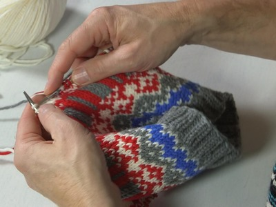 ARNE & CARLOS show you how to knit your own hat