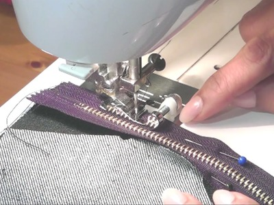 Cut n Sew Zipper, how to sew zipper to the lining of the bag