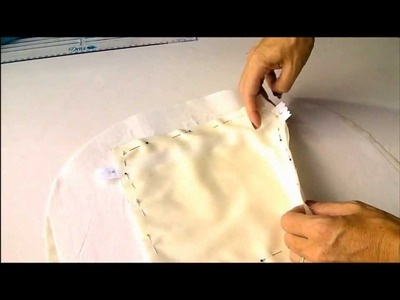 Sew a Carry-all Bag. Part 5, how to sew a zipper pocket into the bag lining