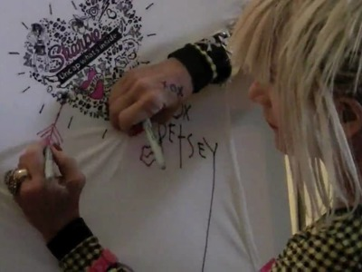 Betsey Johnson at the Sharpie Bar - Mercedes-Benz Fashion Week