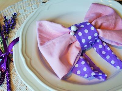 Napkin folding Bow
