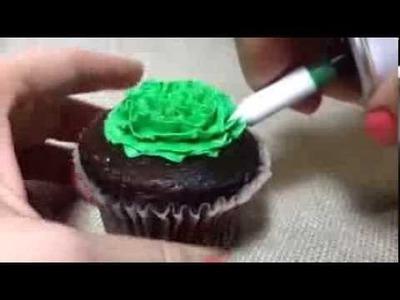 Easy cupcake frosting #thatnewcrush #shop #cbias