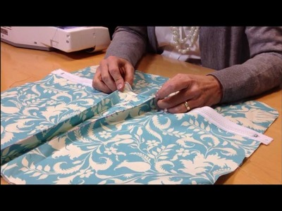 How to Sew Box Pleat Pockets with Simplicity Creative Group