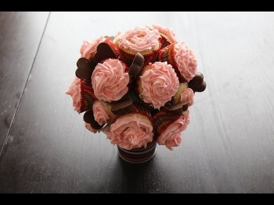 Vanilla Cupcakes with DIY Cupcake Bouquet