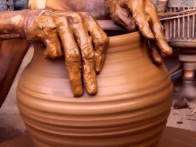 Making a clay pot hd