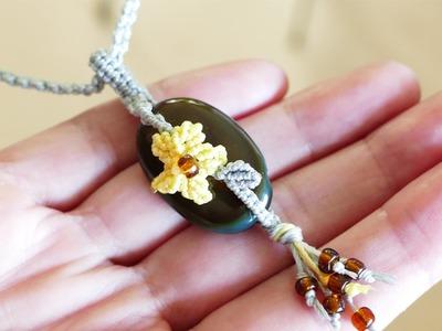 Pendant idea - Macramé Flower with Stone | Macrame School