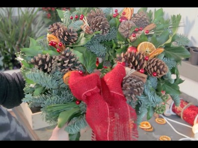 Christmas - How to make a traditional door wreath