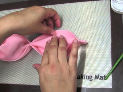 How To Make A Bow: The Krazy Kool Cakes Way