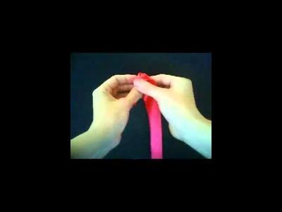 Flor de cinta de raso. Satin ribbon flower.