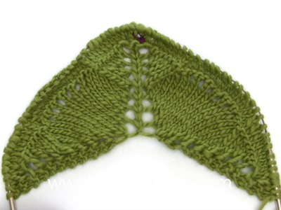 DROPS Knitting Tutorial: How to work the charts for the shawl in DROPS Extra 0-1203