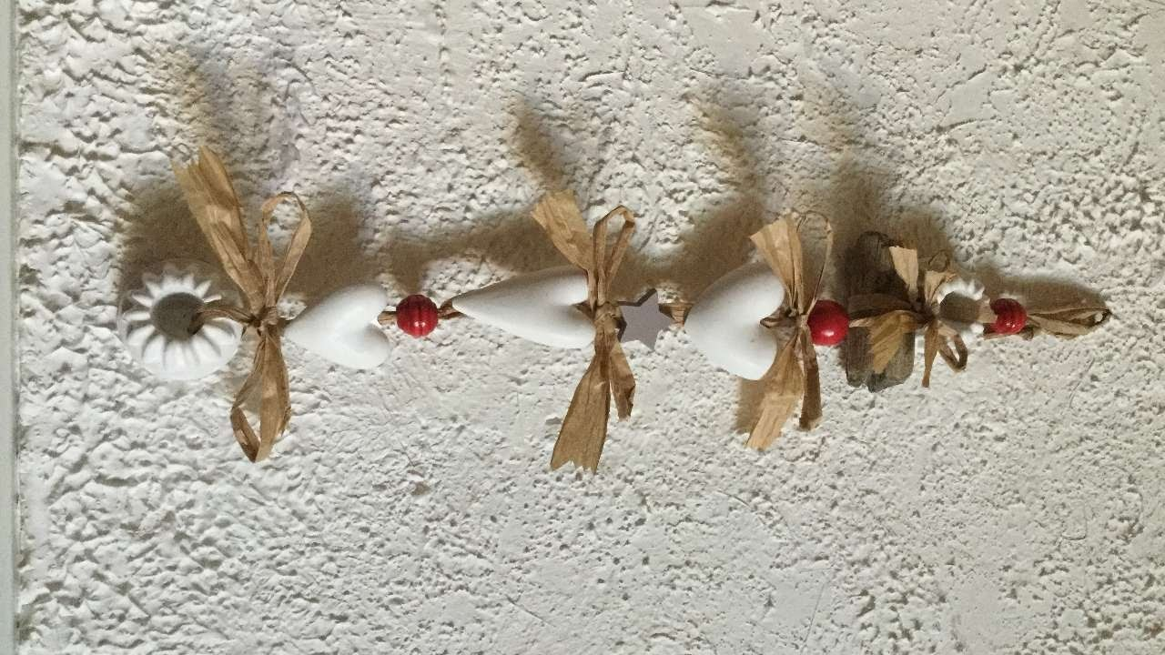 How To Make A Scented Christmas Garland - DIY Home Tutorial - Guidecentral