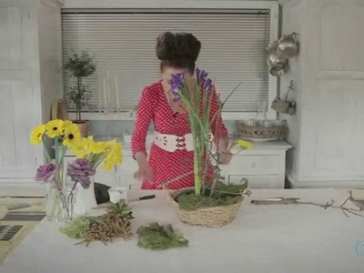 Flowers & Floristry Tutorial: Simple Spring Flower Arranging