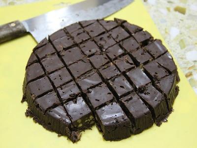 Non-baking chocolate cake