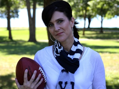 DIY: Game Day T-Shirt Scarf | ShowMeCute