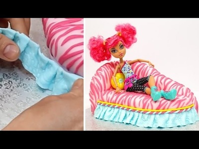 Monster High Doll Sofa Cake- How To by CakesStepbyStep