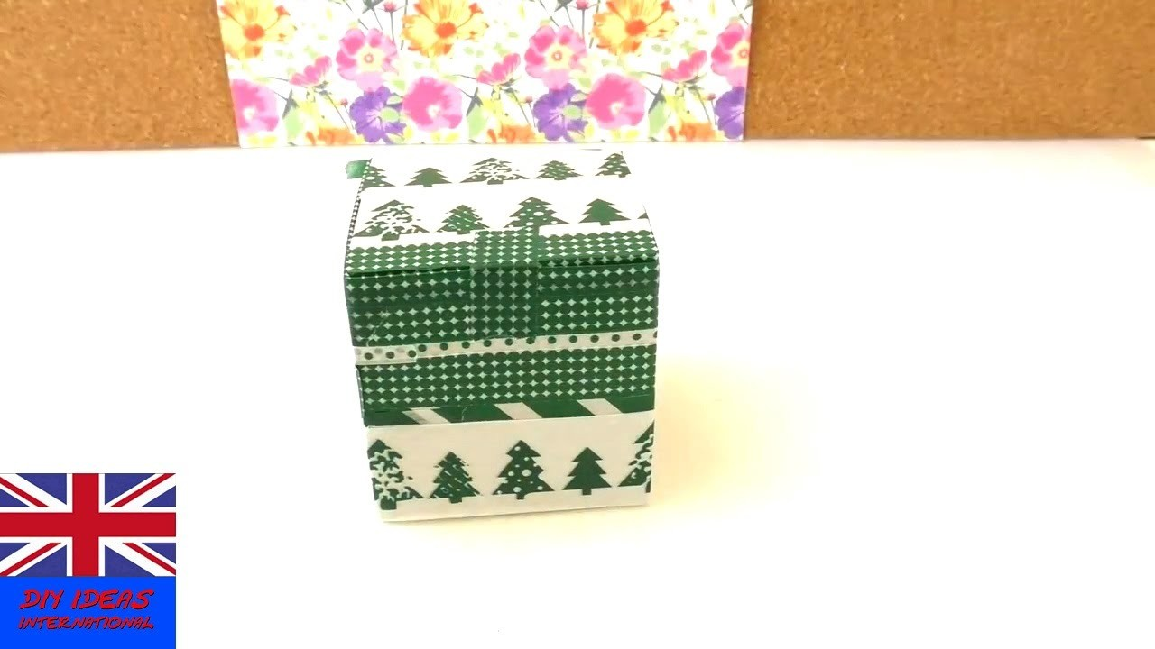 Selfmade Gift Box - Tutorial: DIY How to fold a box for a present?