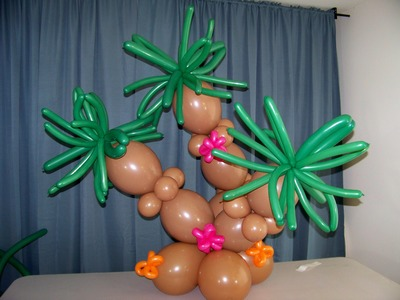 How To Make A Tropical Oasis Centerpiece With Balloons