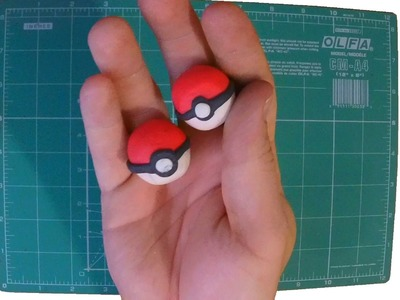 How to make: Pokeball plasticine