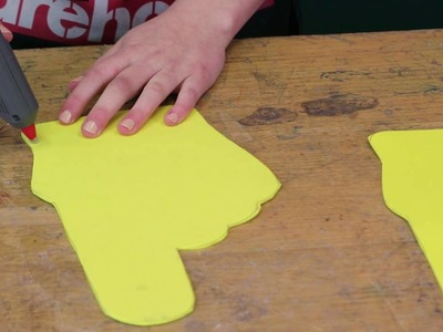 How to make a sports foam finger - DIY at Bunnings
