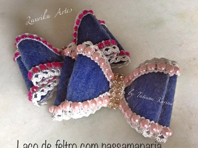 Laço de feltro com passamanaria by Tatiana Karina (Felt with lace trimmings)