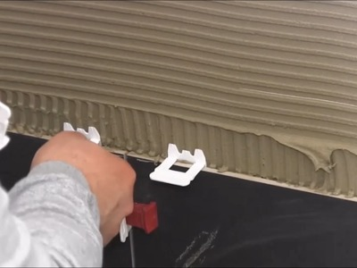 Large format tile installation - Bathroom floor and wall - with new Leveling System