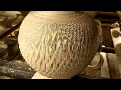 Simple Textured Pottery Decoration Techniques : Chattering the Clay