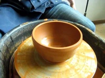 Beginning ceramics: How to throw a bowl
