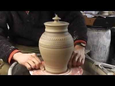 Throwing. Making a clay Pottery Cookie Jar & Lid on the Wheel