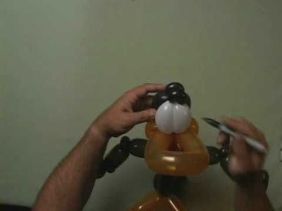 Advanced Balloon Twisting Art How to make Cartoon Character Daffy Duck making a balloon doggy