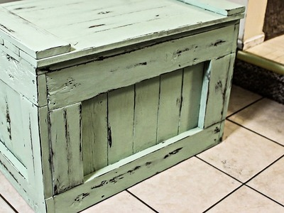 Make a Chest Out of Pallets With Distressed Finish