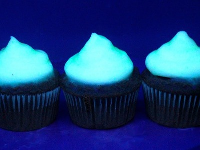 How to Make GLOW-IN-THE-DARK Cupcakes | RECIPE