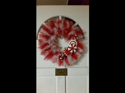 DIY Tulle Peppermint Christmas Wreath