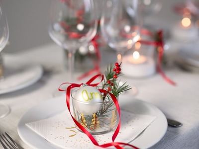 DIY: How to set a Christmas-inspired table by Søstrene Grene