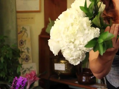 Wedding Flower Ideas : How to Make a Bridal Bouquet With Fresh Flowers